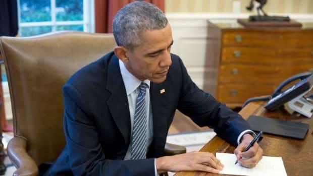 Obama Commutes Sentences For 102 Prisoners Promo Image