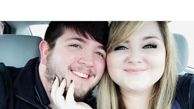 Pandora Apologizes After Worker Mocks $130 Wedding Ring (Photo) Promo Image