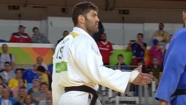 Egyptian Judoka Disrespects Israeli Rival (Video) Promo Image