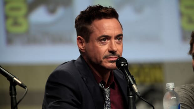 Robert Downey Jr.'s Photo Causes Mass Confusion (Photos) Promo Image