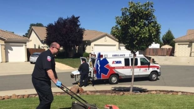 Son Of Man Who Collapsed While Mowing The Lawn Shocked To See What EMT Did (Photo) Promo Image