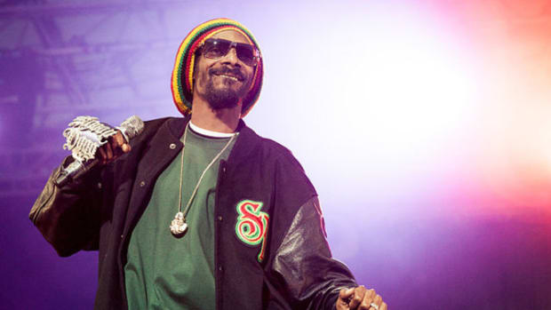 After Trump's Surprise Win, Snoop Dogg Promised To Flee America; Here's Where He's Going Promo Image