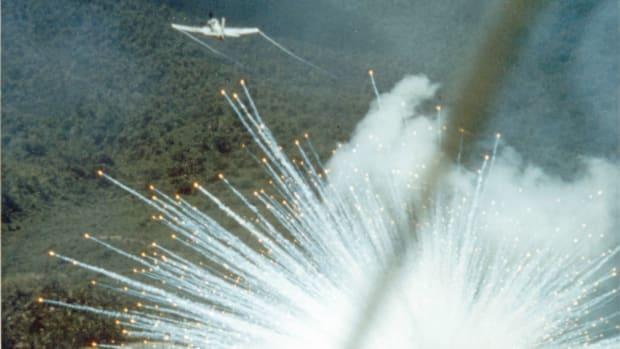 US Can Do Little To Stop Saudis Using White Phosphorus Promo Image
