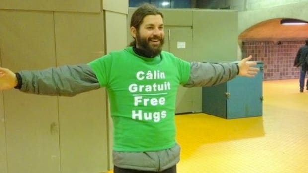 Man Fined $75 For Giving Free Hugs In Public Promo Image