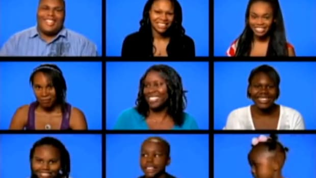 See How Customers React To Waitress's Rude Comments (Video) Promo Image