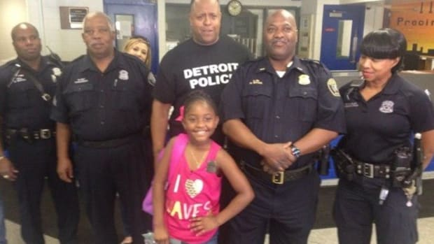 9-Year-Old Uses Birthday Money To Buy Lunch For Cops Promo Image