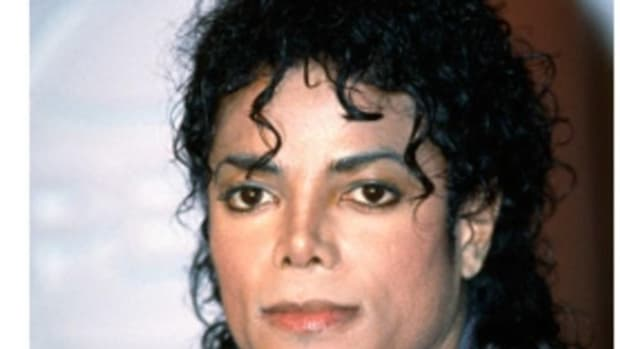 Police Reveal Troubling Materials They Found In Michael Jackson's Home In 2003 Promo Image