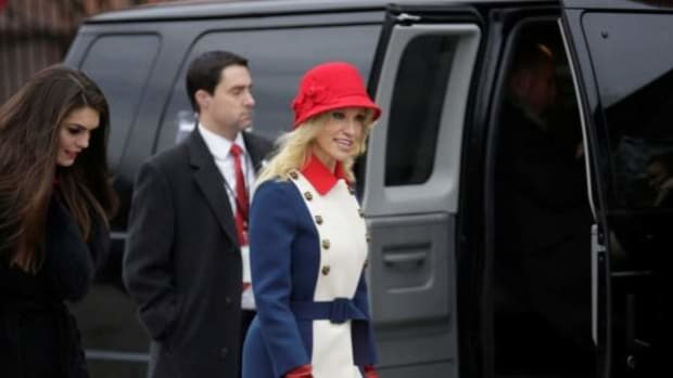 People Upset By Kellyanne Conway's Inauguration Outfit (Photo) Promo Image
