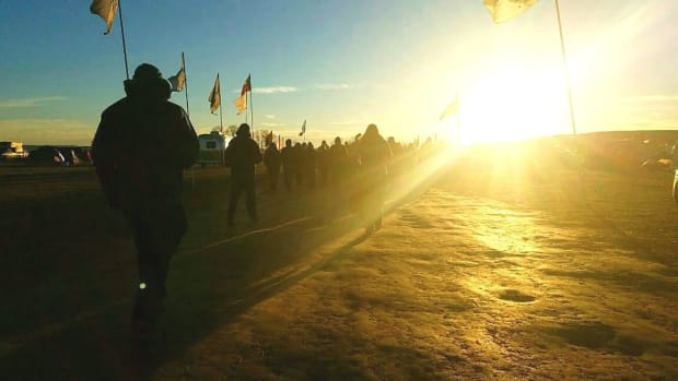 Bank Threatens To Revoke Dakota Access Pipeline Funding Promo Image