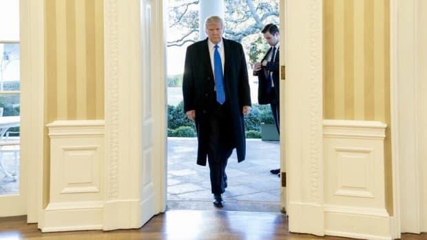 Trump Reunites With Melania, Delivers Simple Message (Photos) Promo Image