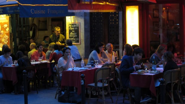 Restaurants Should Not Deny Service To Anyone Promo Image