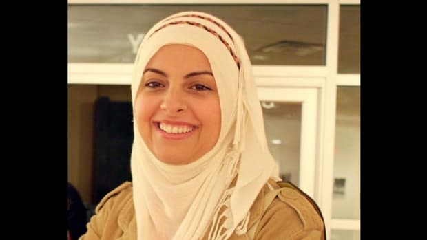 Man Filmed Harassing Muslim Woman In Coffee Shop (Video) Promo Image
