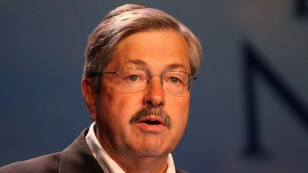 China Applauds Iowa Gov. Branstad As U.S. Ambassador Promo Image