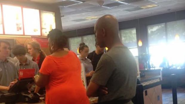 Chik-fil-A Employee Buys Meal For Police Officer (Photo) Promo Image