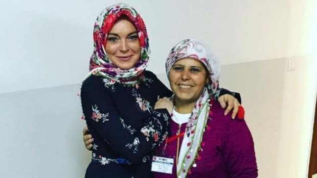 Muslims Welcome Lindsay Lohan To Islam Promo Image