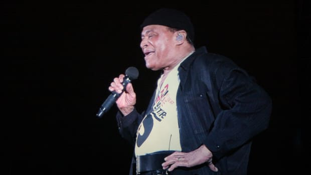 Grammy-Award-Winning Jazz Singer Al Jarreau Dead At 76 (Photo) Promo Image