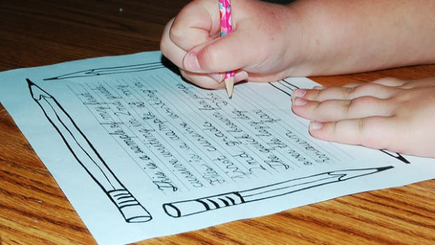 Arizona Students Now Required To Learn Cursive Promo Image