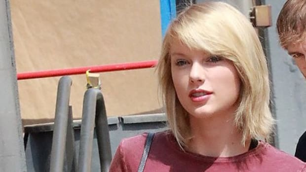 Did Taylor Swift Get Implants? (Photos) Promo Image