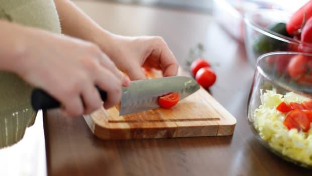 Parents Should Face Prison For Children's Vegan Diet Promo Image