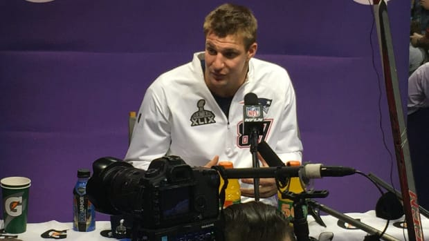 Patriots' Gronkowski Interrupts White House Briefing (Video) Promo Image