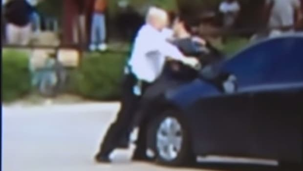 Two Civilians Help Officer Restrain Suspect (Video) Promo Image