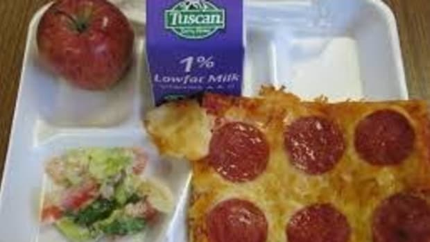 Parents Upset Over School Confiscating Lunches Promo Image