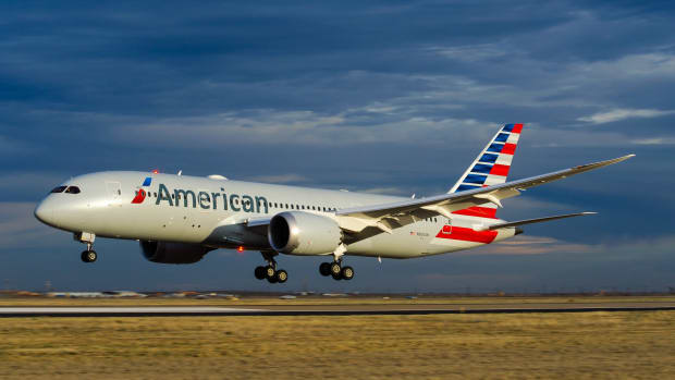 American Airlines Faces Holiday Pilot Shortage  Promo Image