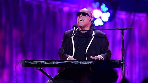 Stevie Wonder: Climate Change Deniers Are 'Blind' (Video) Promo Image