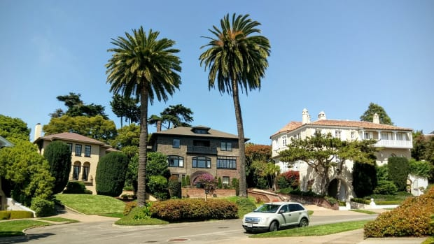 Couple Buys San Francisco Street For $90,000 (Photos) Promo Image