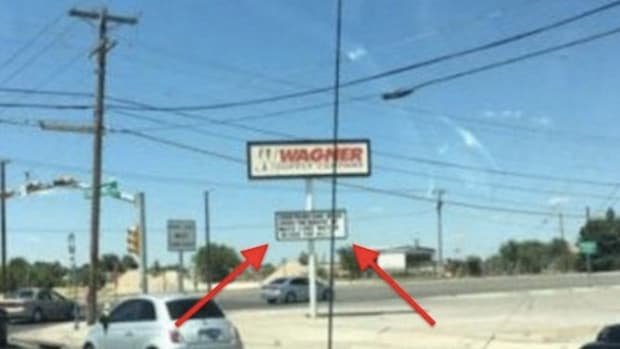 Huge 4-Word Sign In Texas Outrages Black Lives Matter (Photo) Promo Image