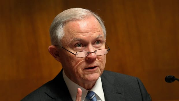 Sessions: Not Enough Evidence To Probe Clinton Promo Image