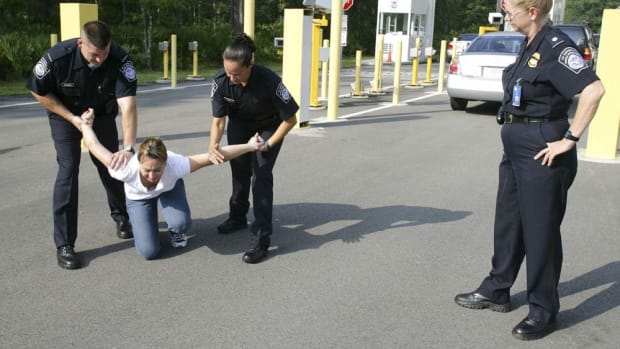Police Department Advises Against Giving to Panhandlers Promo Image