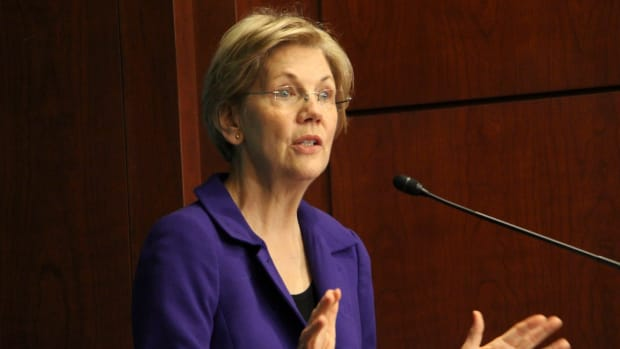 Warren Responds To Trump's 'Pocahontas' Comment Promo Image