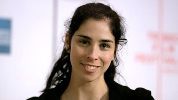 Sarah Silverman's Exchange With Twitter User Goes Viral Promo Image