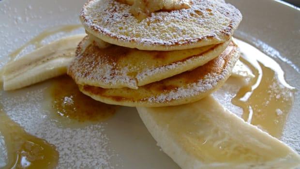 Customer Writes 'KKK' On Pancakes (Photo) Promo Image
