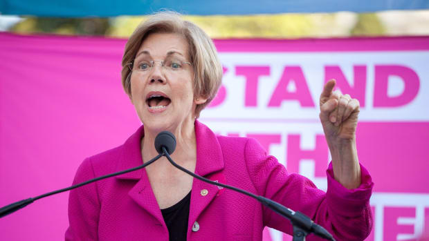 Warren's Fundraising Success Raises 2020 Speculation Promo Image
