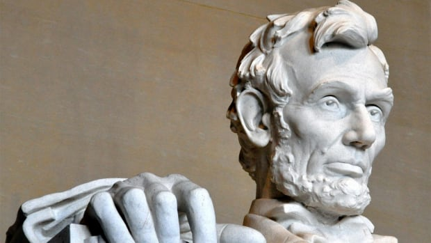 Vandals Leave Explicit Message On Lincoln Memorial (Photo) Promo Image