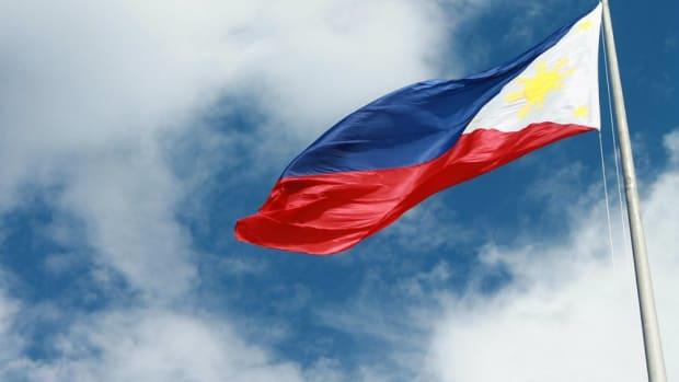 'Transracial' Man Says He Identifies As Filipino (Photo) Promo Image