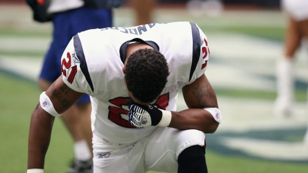 NFL Wants Protests To Stop, Lawmaker Backs Players Promo Image