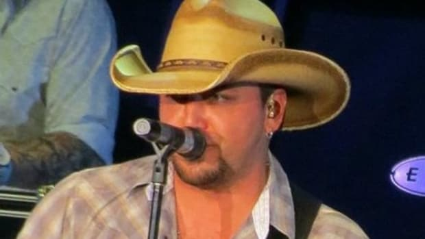 Jason Aldean Cancels Concerts After Vegas Shooting (Photos) Promo Image