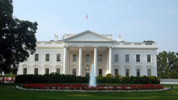 White House Officials Scammed By Email Prankster Promo Image
