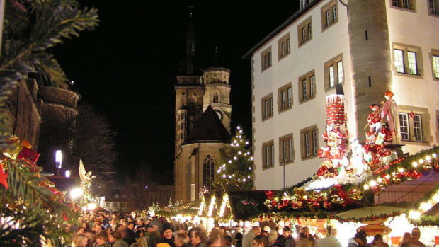 German Police Find Device, Evacuate Christmas Market Promo Image