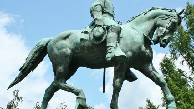 Dallas To Remove Robert E. Lee Statue Promo Image