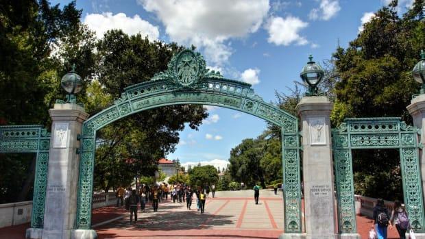 UC Berkeley Cop Takes Hot Dog Vendor's Money (Video) Promo Image
