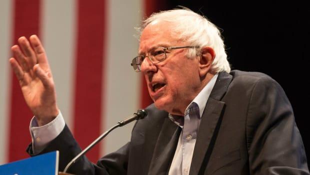 Bernie Sanders: Trump Should Consider Resigning Promo Image