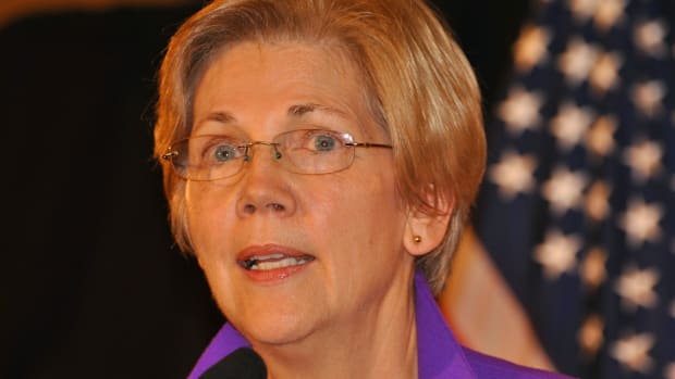 Warren: Trump Gets An 'F' On Draining The Swamp Promo Image