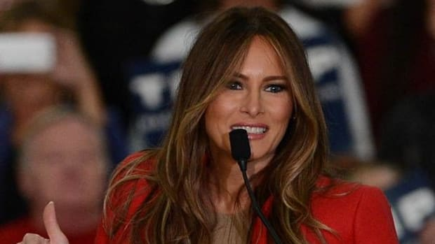 Twitter Users Blast Melania Trump For Christmas Decor (Photos) Promo Image