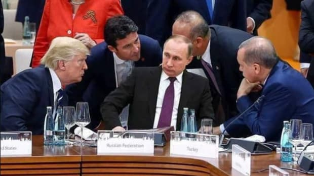Fake Picture Of Trump And Putin Goes Viral (Photos) Promo Image