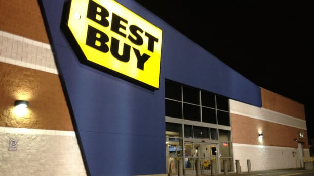 Best Buy Accused Of Price Gouging During Hurricane (Photo) Promo Image