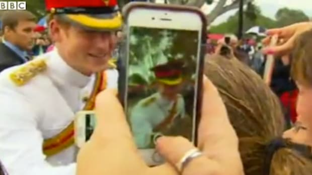 princeharrynoselfie_featured.jpg